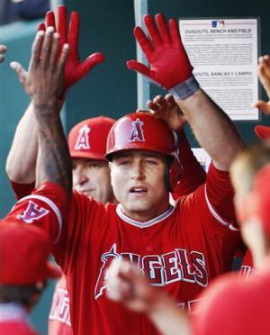 Angels hit 4 HRs, beat Royals 5-4