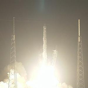 Raw: SpaceX Rocket Carries 3-D Printer to Space