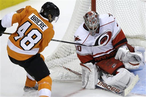 Briere lifts Flyers over Hurricanes