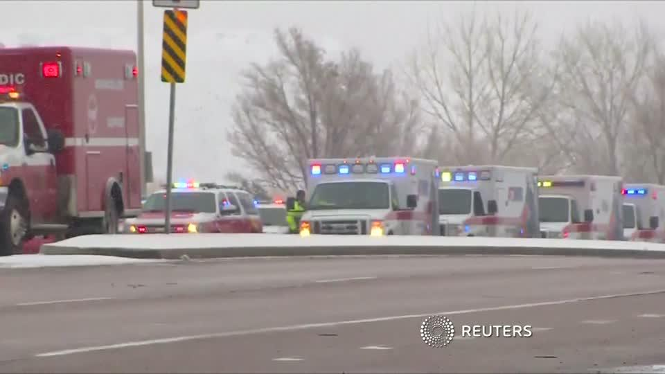 Colorado gunman still shooting from inside clinic, police say