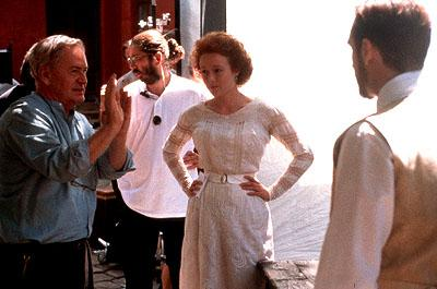 Istvan Szabo directs Jennifer Ehle and Ralph Fiennes on the set of Paramount Classics' Sunshine