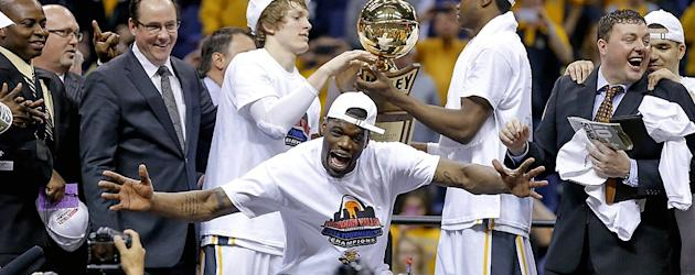 T-shirt gaffe can't spoil perfect season for Wichita State. (Getty Images)
