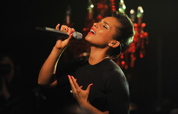 Alicia Keys Set to Sing Super Bowl Anthem