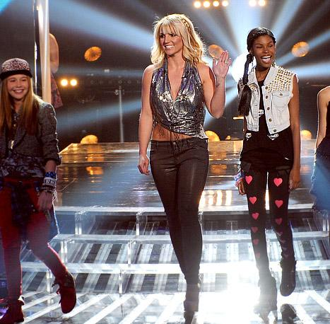 HOT! Britney Spears Rocks Midriff-Baring Top on X Factor