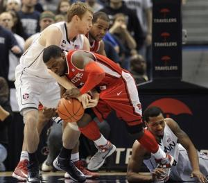 Napier's 19 leads UConn over Rutgers 66-54
