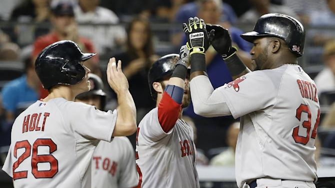 Ortiz hits No. 450, Red Sox beat Yankees 8-5