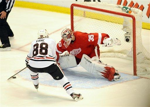 Blackhawks top Wings 3-2 in SO, still finish 6th