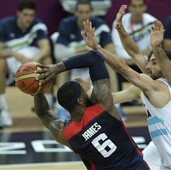 US men stay unbeaten, rout Argentina 126-97 The Associated Press Getty Images