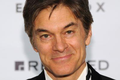 A group of doctors just asked Columbia to reconsider Dr. Oz's faculty appointment