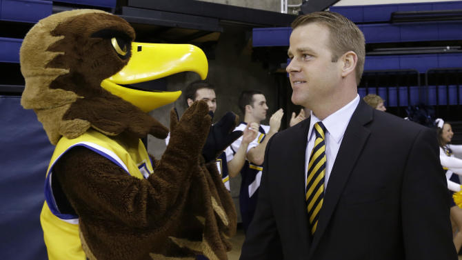 Marquette hires Duke's 'Wojo' as next hoop coach