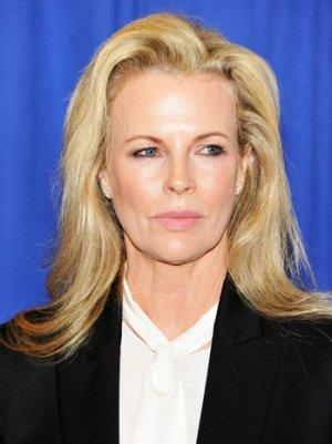 Kim Basinger to Co-Star in Warners' 'Grudge Match'