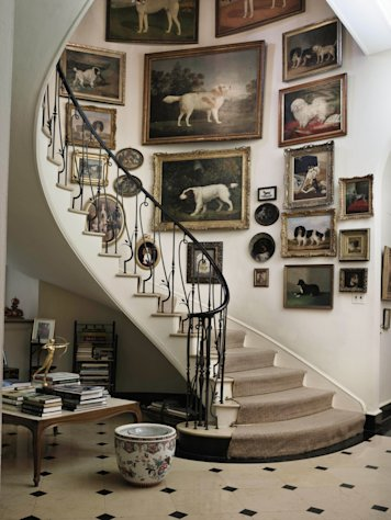 FILE - This undated file photo provided by Sotheby&#39;s shows the staircase at Brooke Astor&#39;s Westchester estate, Holly Hill, in Briarcliff Manor, New York. On Sept. 24-25, 2012, Sotheby&#39;s New York will auction some 800 of the late philanthropist&#39;s personal items from her Park Avenue duplex and the stone manor in Westchester. (AP Photo/Sotheby&#39;s, File)