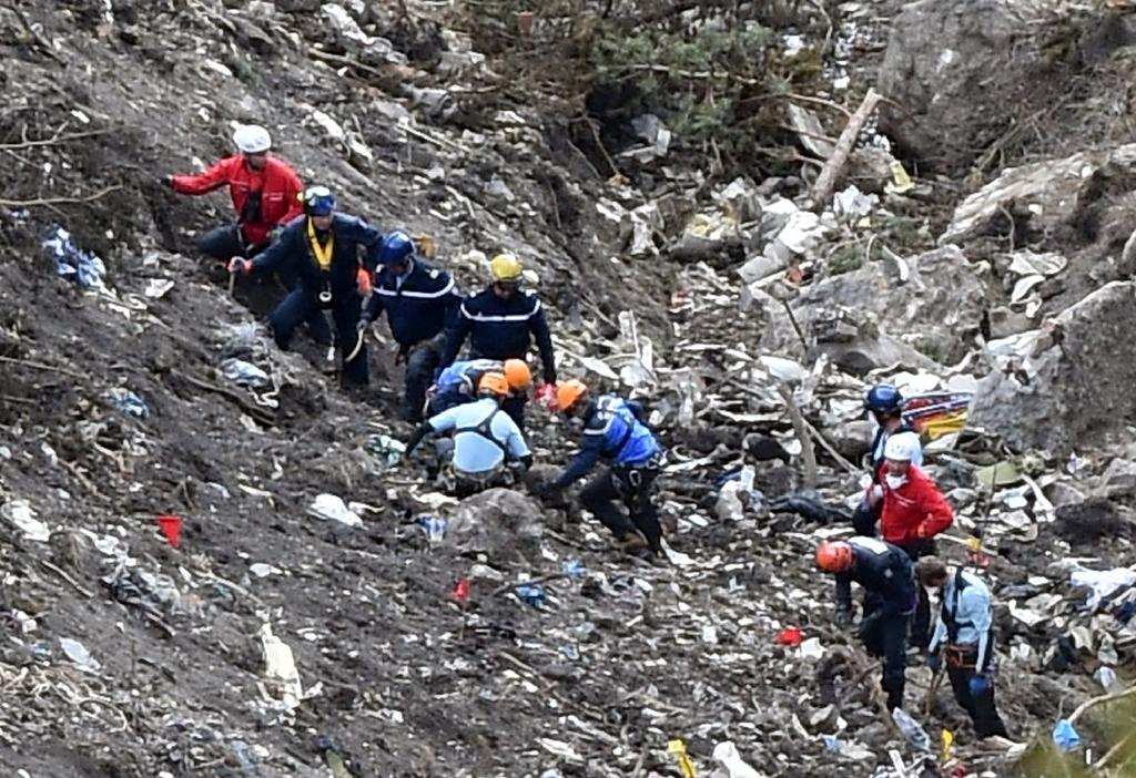 France's painstaking and risky recovery operation at crash site