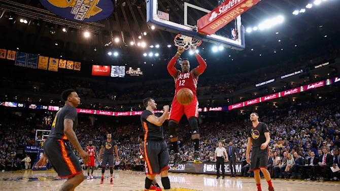 Dwight Howard of the Houston Rockets dunks the ball against the Golden State Warriors on February 9, 2016 in Oakland, California
