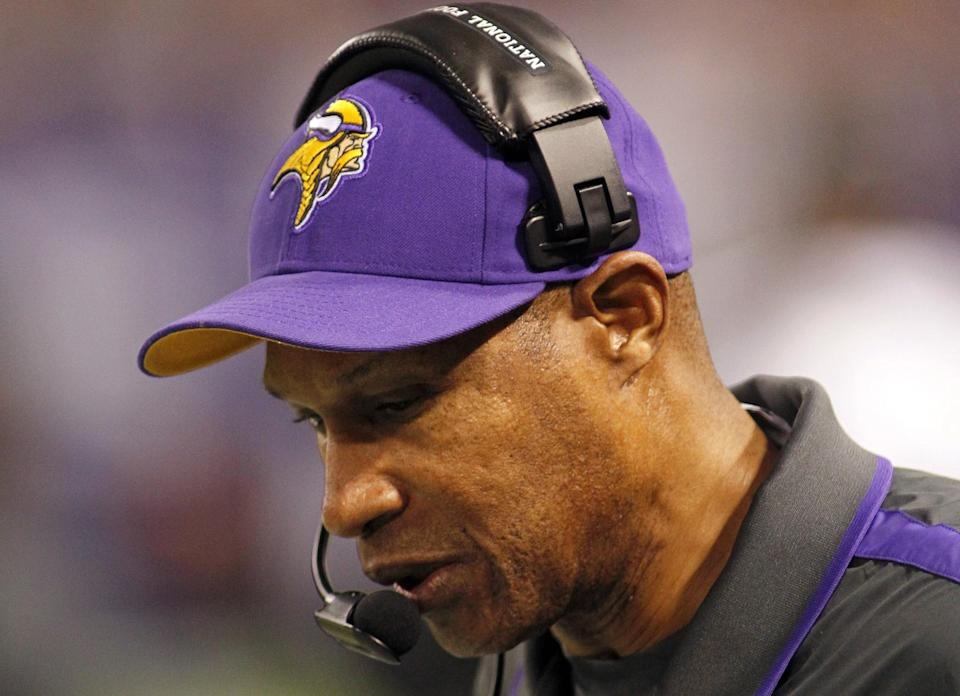 Minnesota Vikings head coach Leslie Frazier looks on during the first half of an NFL football game against the Tampa Bay Buccaneers Thursday, Oct. 25, 2012, in Minneapolis. (AP Photo/Andy King)