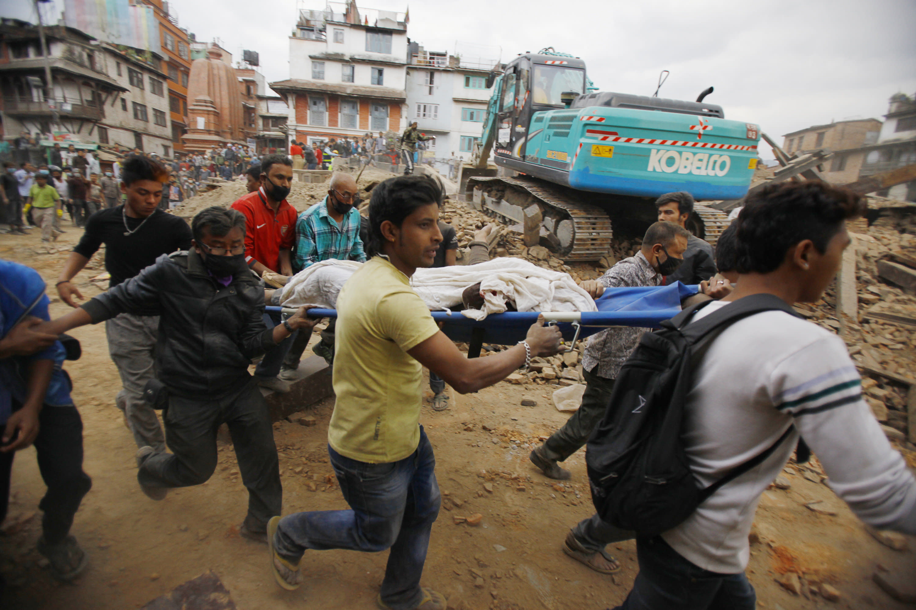 Leaders, charities offer condolences, help after Nepal quake