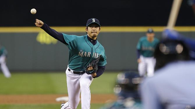 DeRosa's pinch-hit single lifts Jays over Mariners