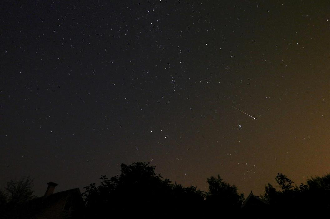 2015-08-12T032632Z_1462465566_SR1EB8C09JM4G_RTRMADP_3_BELARUS-ENVIRONMENT - Perseid meteor shower 2015 - Science and Research