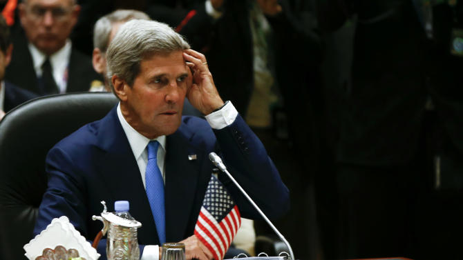Kerry presses China, neighbors on maritime issues