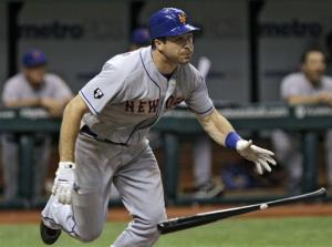 Mets' Dickey holds Rays to 1 hit for 10th win