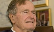 Ex President George HW Bush&#39;s Fever Worsens