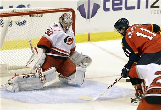 Huberdeau scores in debut, Panthers top 'Canes 5-1