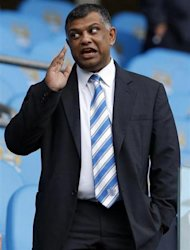 Queens Park Rangers&#39; chairman Tony Fernandes takes his seat before their English Premier League soccer match against Manchester City at The Etihad Stadium in Manchester, northern England September 1, 2012. REUTERS/Phil Noble