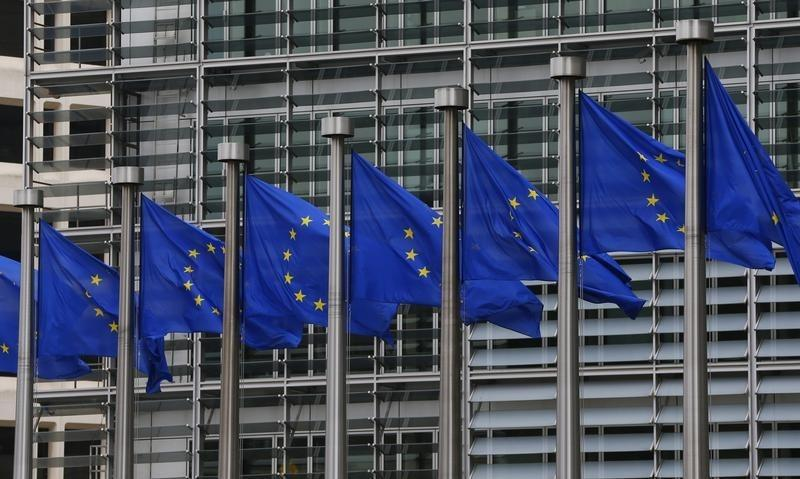 Exclusive: EU aims to complete capital markets union by 2019