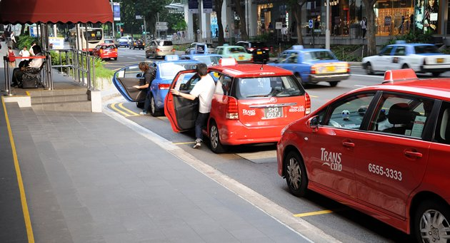 LTA gets tough on taxis misusing 'on-call' sign