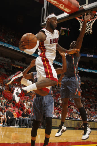 James, Bosh led Heat to 105-82 win over Bobcats