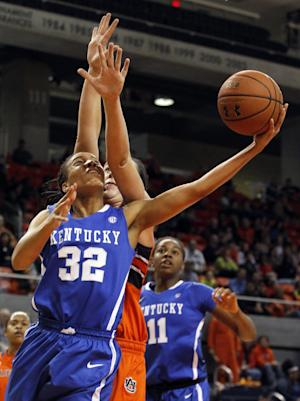 O'Neill, No. 10 Kentucky hold off Auburn, 73-71