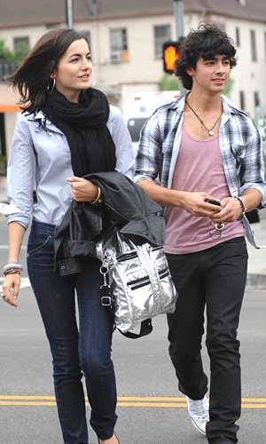 camilla belle dating history Us weekly exclusively revealed last month that the beauty queen, 23, and quarterback, 28, were dating after being set up by a mutual friend camilla belle.