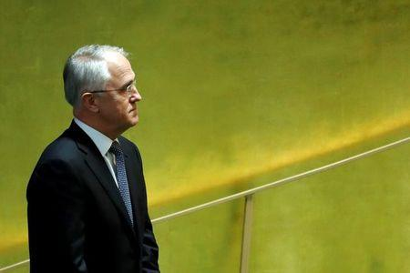 Australia PM rejects carbon pricing, fuels divisions with power generators