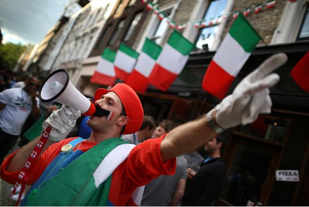 Football Fans In London Watch The UEFA EURO 2012 Final Between Spain And Italy