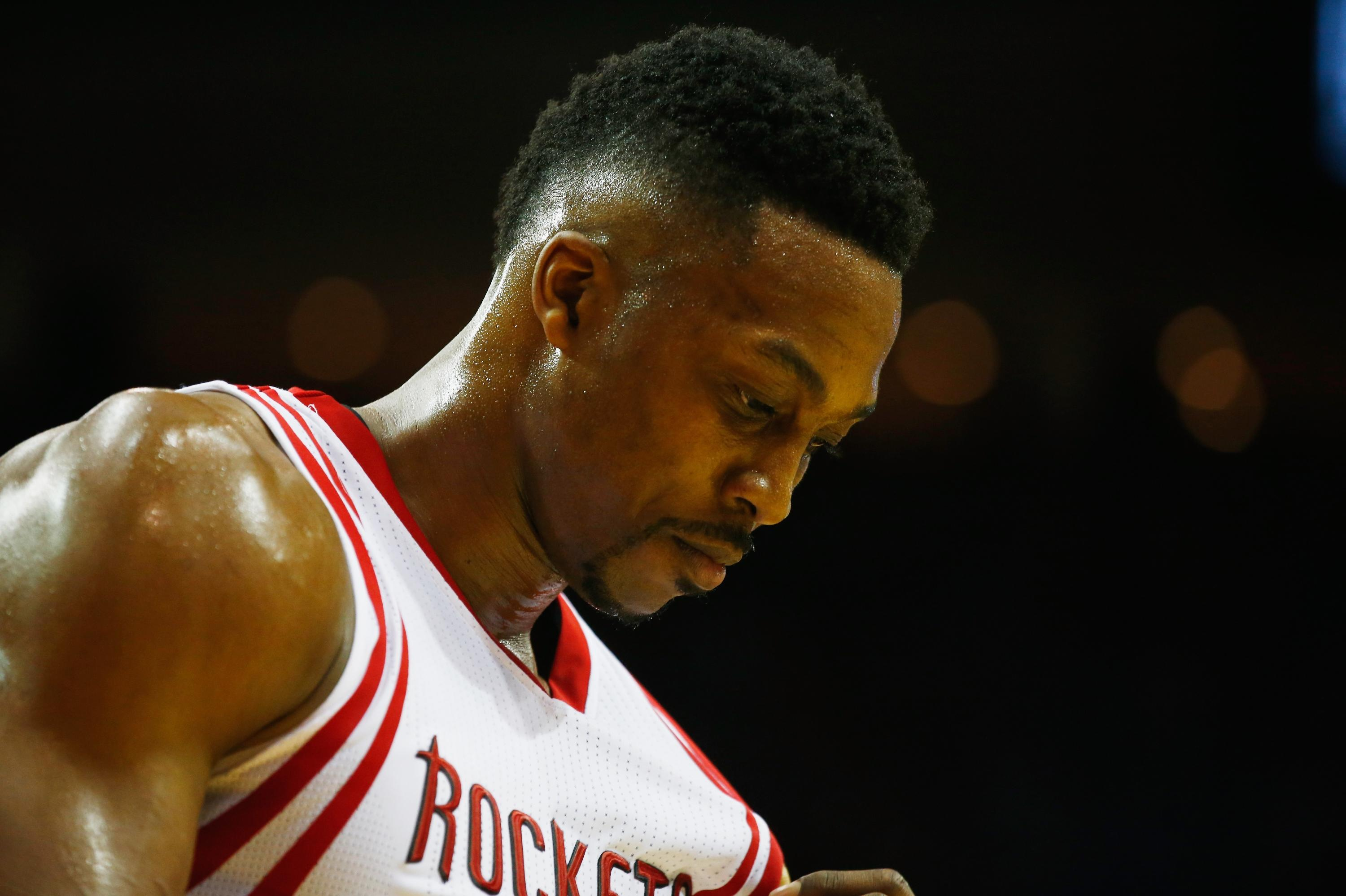 Dwight Howard at a crossroads yet again