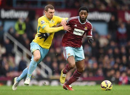 Song returns to West Ham on loan from Barcelona