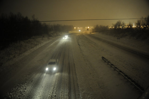 US Storm's Toll Up To 6 Dead As System Heads East
