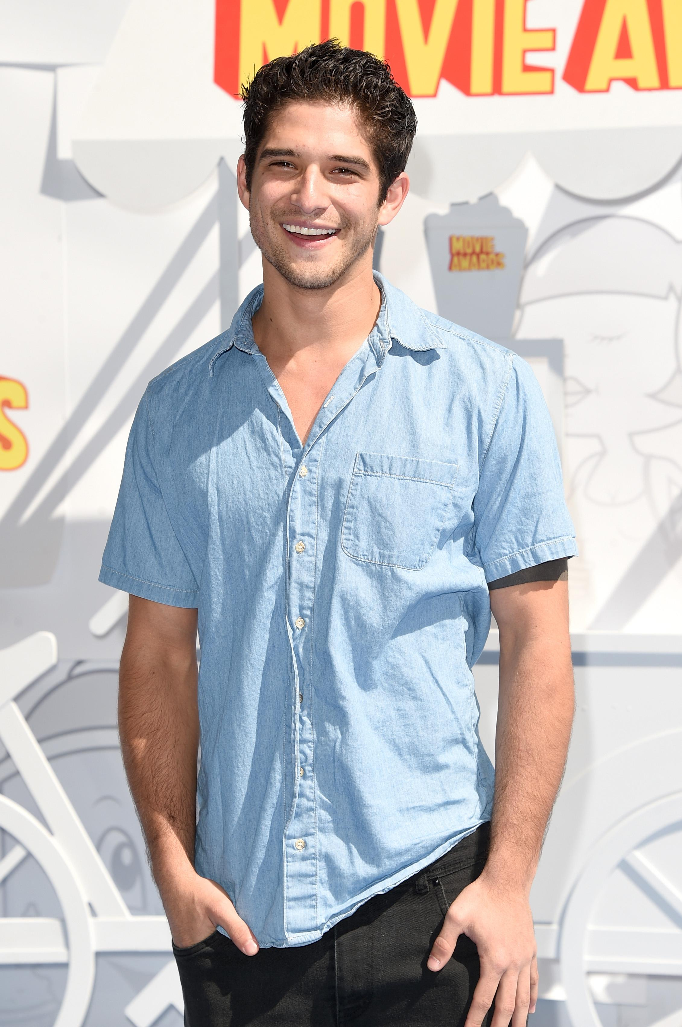 MTV Movie Awards: Tyler Posey, Victoria Justice & More Reveal Favorite Films