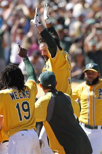 Norris' 3-run HR in 9th leads A's past Giants 4-2