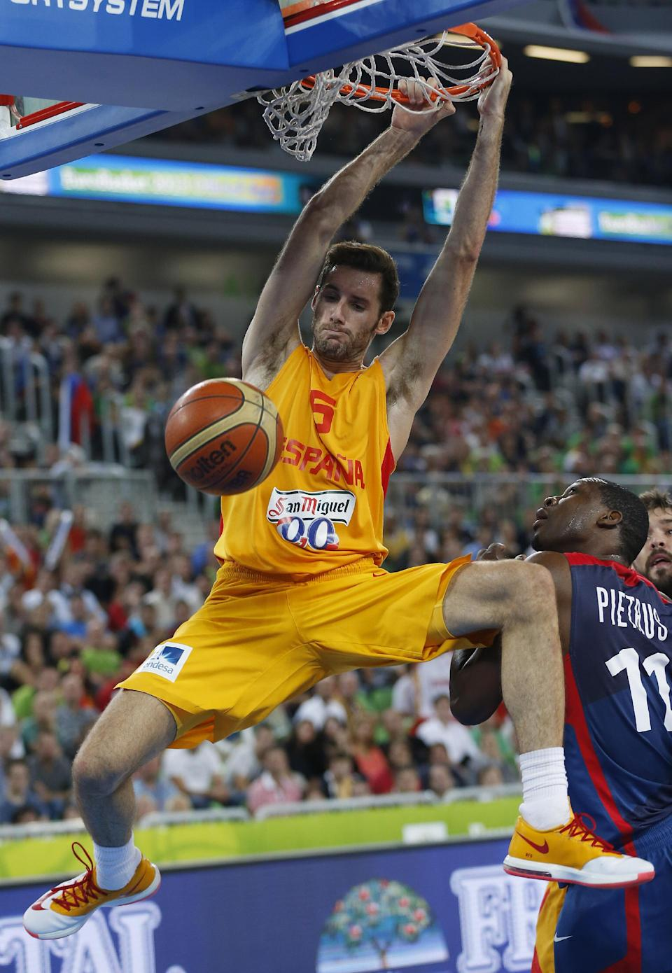 France upsets Spain; plays Lithuania in Euro final