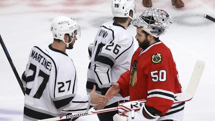Watch Kings, Blackhawks handshake line after Game 7 classic (Vi…
