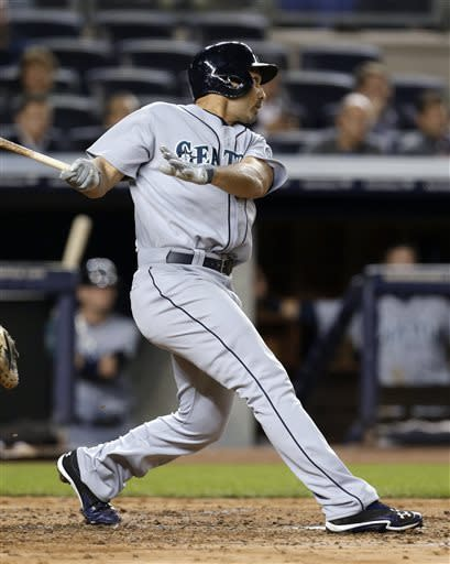 Ibanez hits slam and 2-run homer in Mariners' rout