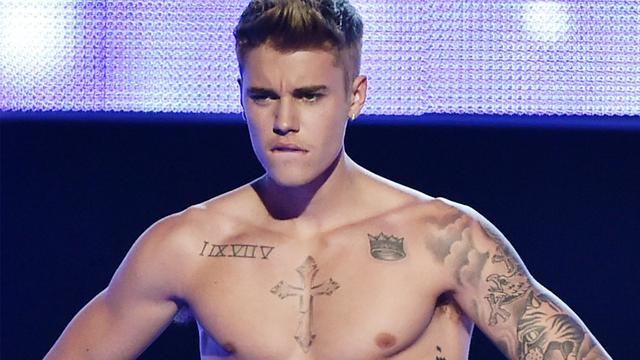 A Shirtless Justin Bieber Covers 'Men's Health,' Talks Growing Up Too Fast