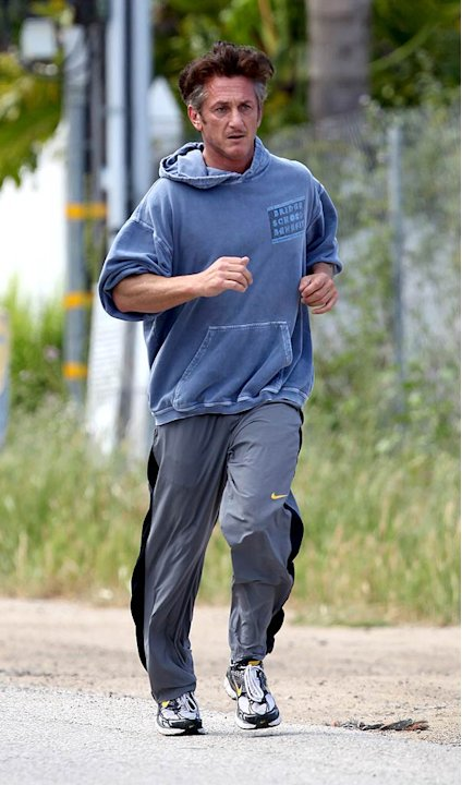 Sean Penn Jogging