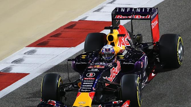 Infiniti Red Bull driver Daniel Ricciardo steers his car during the qualification session for the Bahrain Formula One Grand Prix at the Sakhir circuit on April 18, 2015