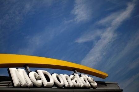 McDonald's raising average worker wage to about $10 an hour