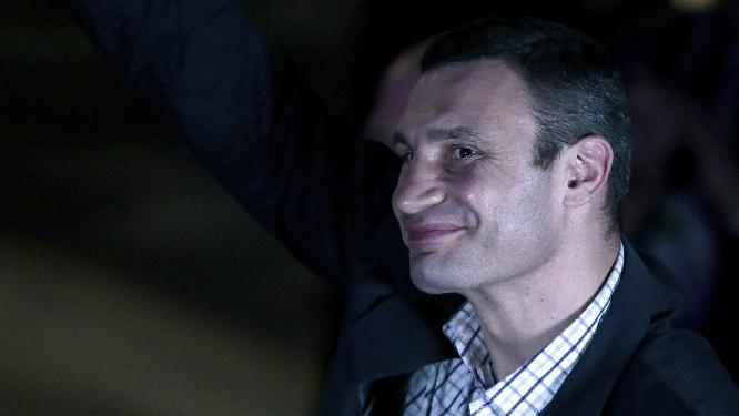 Boxer Klitschko to run for Ukraine presidency