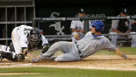 Sale pitches White Sox past Royals 3-1