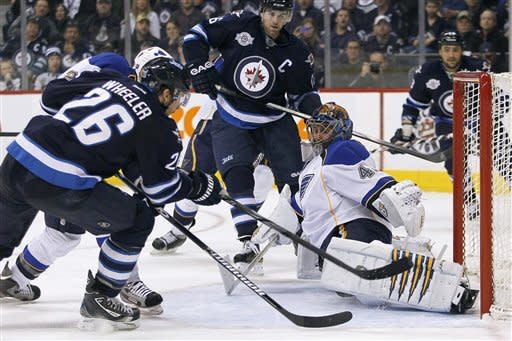 Perron scores in shootout as Blues beat Jets 3-2