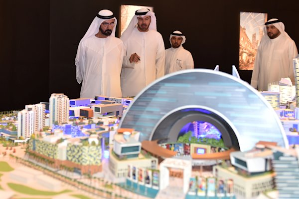 Dubai to build climate-controlled 'city', largest mall